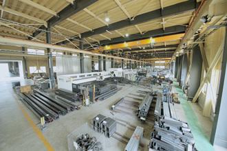 工場内の全体写真